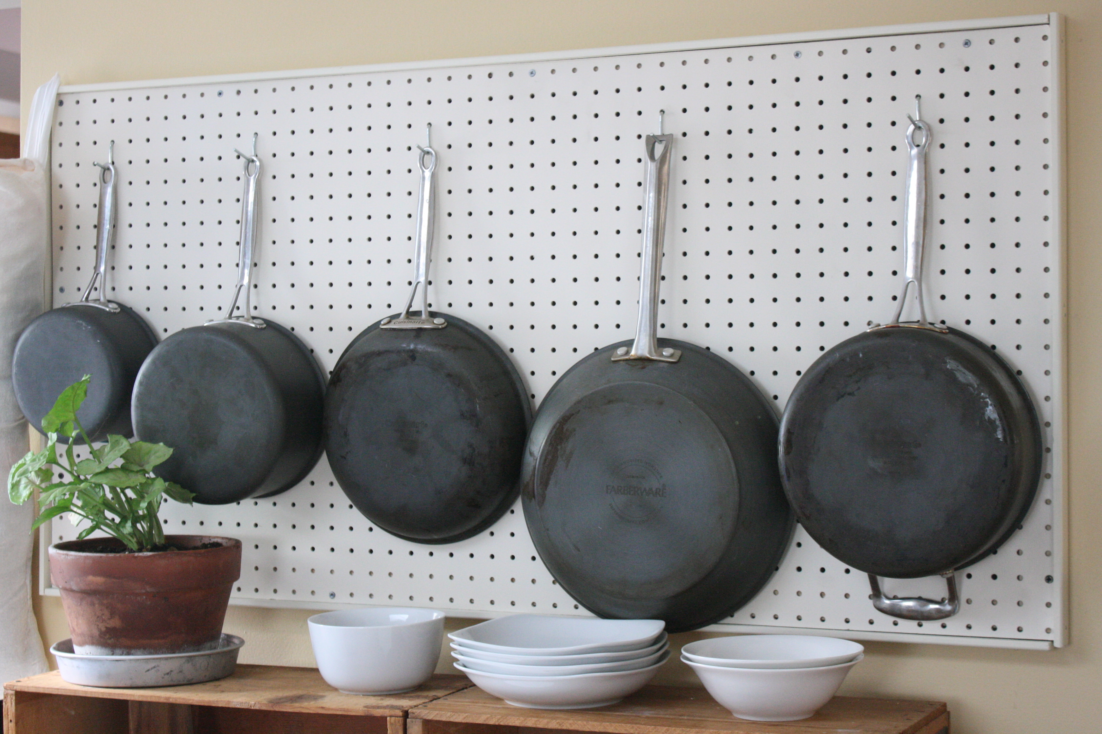 Space saving built in storage ideas for your home hipvan for Kitchen pegboard ideas